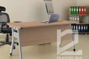 Bàn văn phòng HR120C1 kiểu dáng hiện đại, trẻ trung.