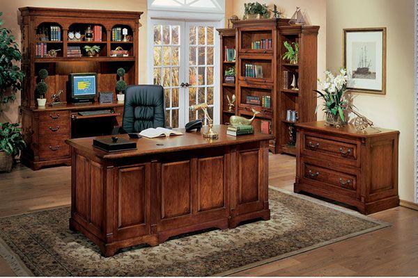 Bàn ghế gỗ tự nhiên mang nét đẹp sang trọng, đẳng cấp nên rất thích hợp lắp đặt trong nội thất phòng Giám đốc.
