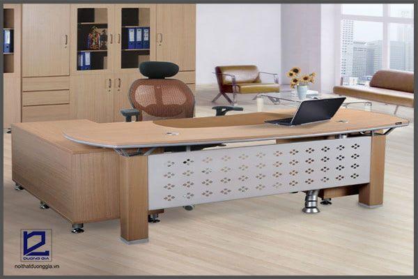 Công bố 7 mẫu bàn làm việc văn phòng đẹp chắc chắn làm bạn hài lòng