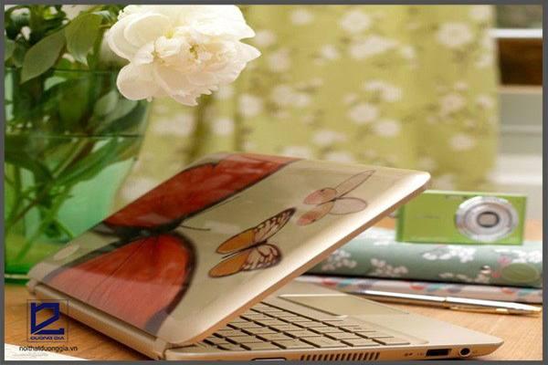 Hướng dẫn cách trang trí bàn làm việc trở nên sinh động và ấn tượng
