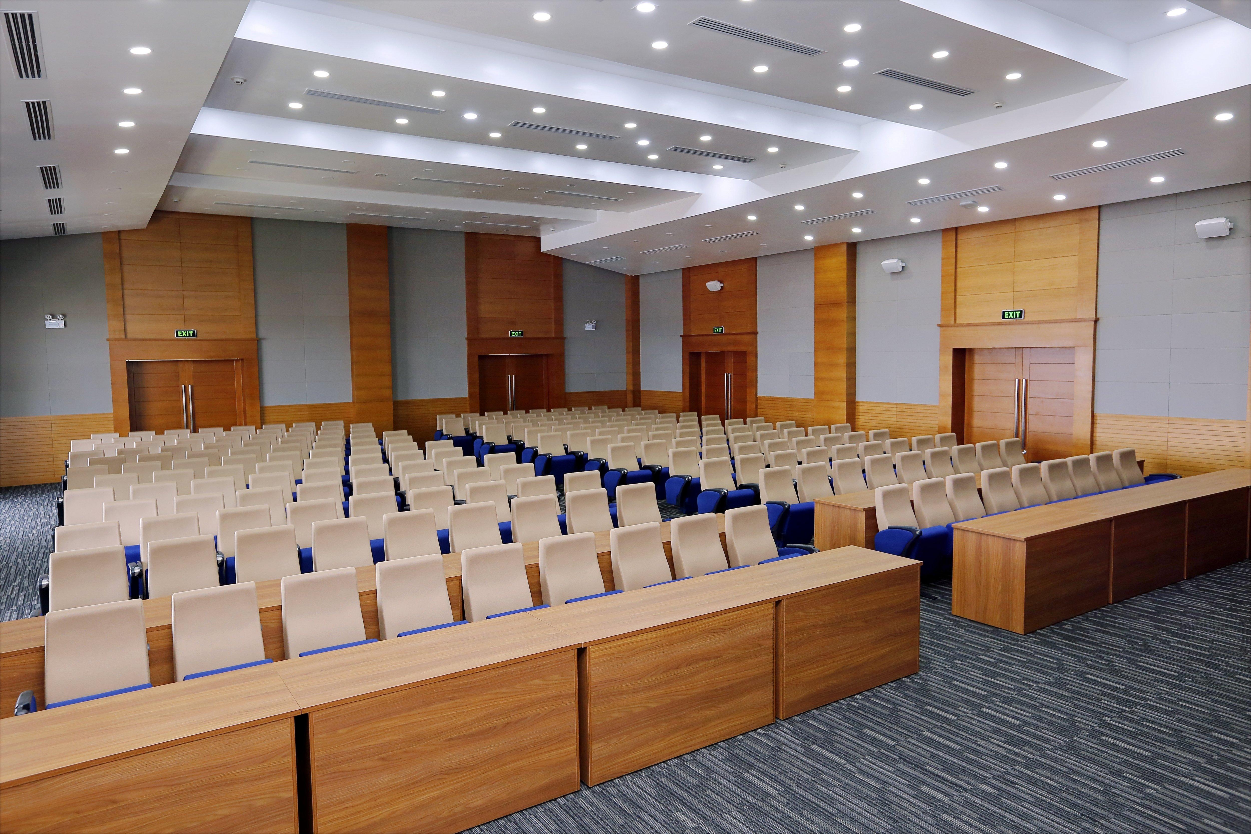 Đánh số ghế hội trường giúp việc thay thế, sửa chữa dễ dàng
