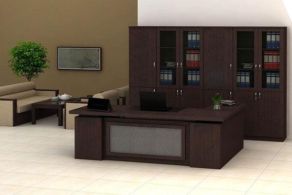 Lựa chọn bàn làm việc cho công ty, tập đoàn lớn nên ưu tiên sản phẩm có chất liệu cao cấp.