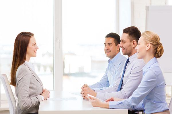 Phong cách làm việc chuyên nghiệp đem đến sự hài lòng trọn vẹn cho khách hàng.