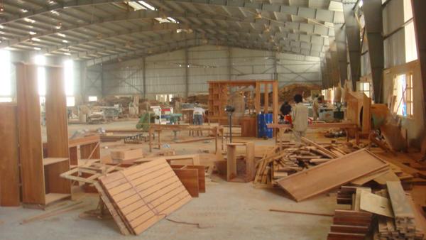 Xưởng sản xuất bàn làm việc uy tín, chuyên nghiệp