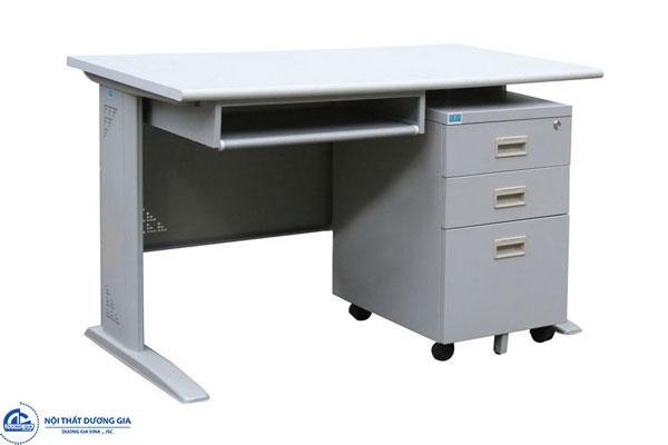 Bàn chân sắt có khay để bàn phím và hộc 03 ngăn kéo tiện lợi - bàn HU12S