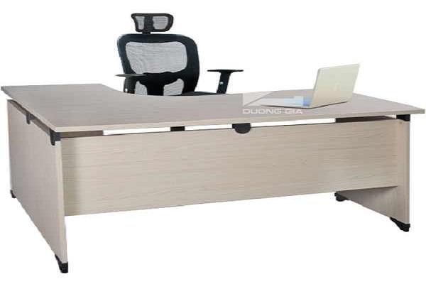 Ưu điểm khi mua bàn làm việc cho văn phòng nhỏ tại Nội thất Dương Gia