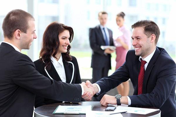 Công ty bán bàn làm việc tại Hà Nội uy tín, chuyên nghiệp.