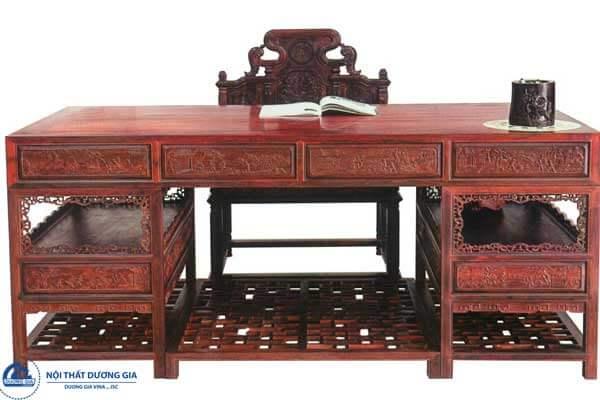 Mẫu bàn làm việc của giám đốc bằng gỗ tự nhiên