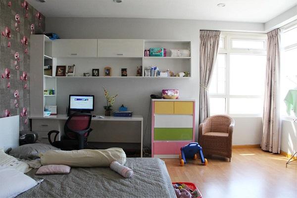 Nên hay không nên đặt bàn làm việc trong phòng ngủ?