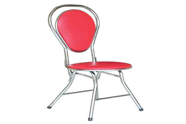 Ghế gấp kiểu dáng thiết kế thời trang.