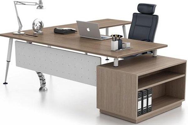 Nắm được giá 1 bộ bàn ghế làm việc giúp khách hàng dễ dàng mua được sản phẩm phù hợp với tài chính của mình.