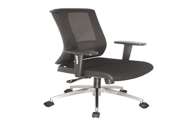 Ghế xoay văn phòng phù hợp với mọi loại hình không gian làm việc.