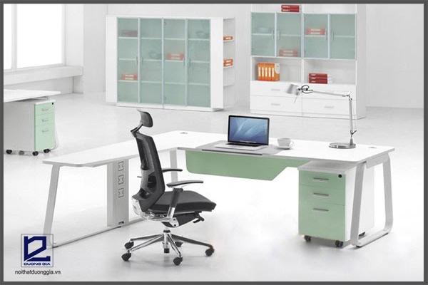 4 lý do nên rinh ngay bàn làm việc nhập khẩu cho không gian văn phòng