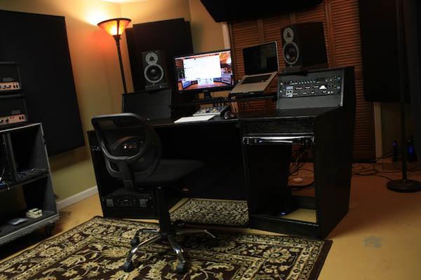 Mẫu bàn làm việc phòng thu âm BPT-DG06