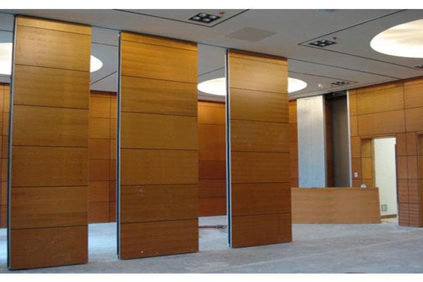 Thiết kế vách ngăn văn phòng cần xác định sử dụng loại vách ngăn tối ưu nhất