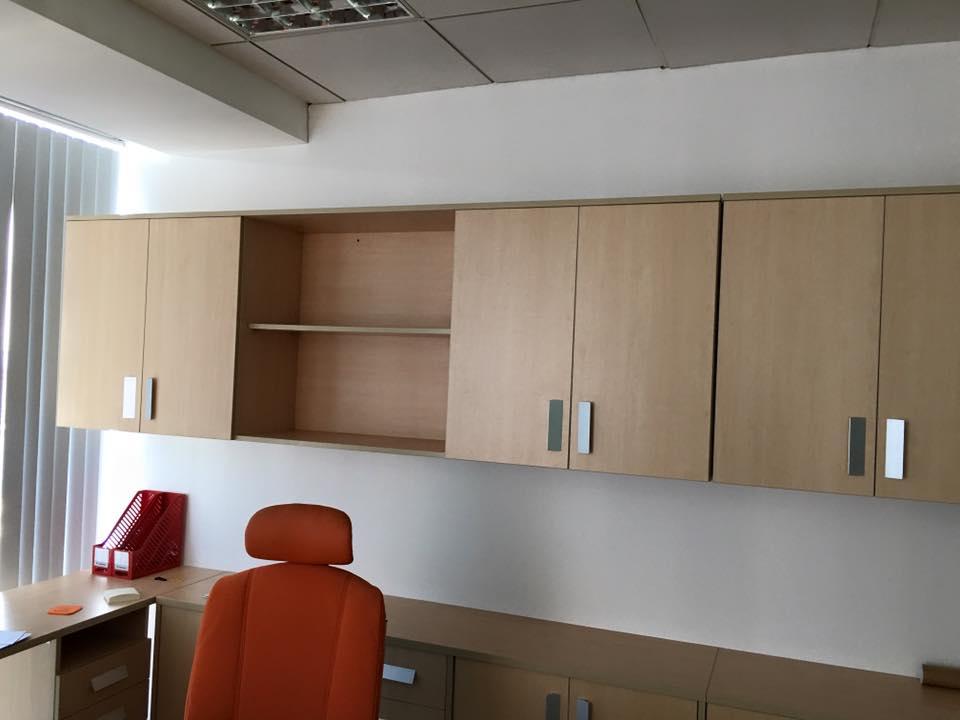 Tủ tài liệu treo tường tiện nghi khi sử dụng