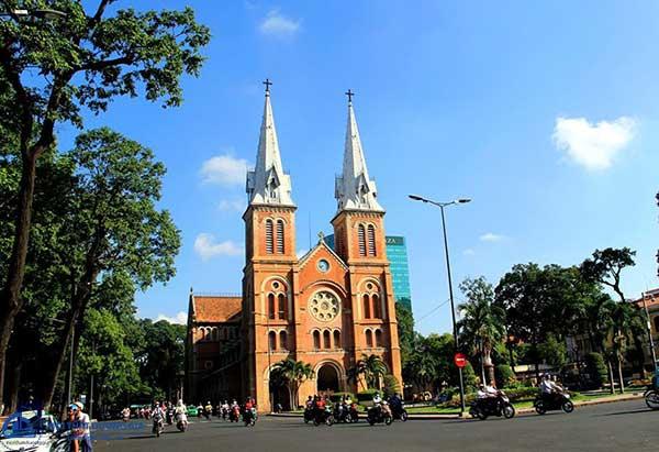 Nhà thờ Đức Bà - một trong những công trình kiến trức Đông Dương tại Sài Gòn nổi bật