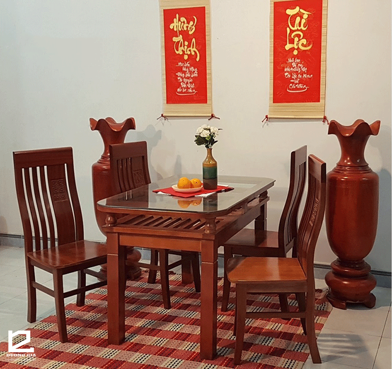 Bộ bàn ăn gỗ sồi Nga 4 ghế