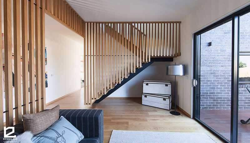 Vách ngăn gỗ trang trí cầu thang VGCT-DG04