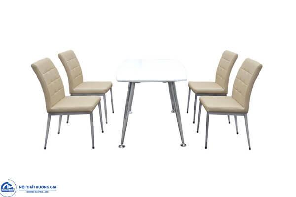 Bộ bàn ghế ăn (4.120.000 VNĐ)