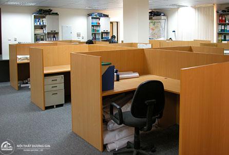 Vách ngăn văn phòng gỗ toàn bộ VN01