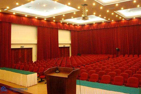 Tiêu chuẩn về âm thanh, ánh sáng khi thiết kế sân khấu hội trường