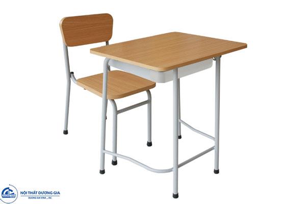Chú ý đến đến sự phù hợp giữa bàn và ghế học sinh tiểu học