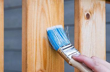 Mách bạn cách sơn lại bàn ghế cũ đơn giản, dễ thực hiện