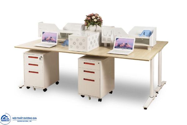 Mẫu bàn làm việc chân sắt cho 4 người UNMD01CS3