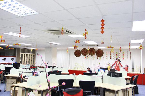 Cách trang trí Tết văn phòng làm việc công ty