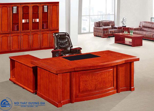 Bàn làm việc văn phòng phải thể hiện được vị thế của công ty (bàn DT2010V12)
