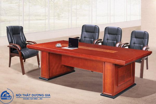 Những ưu điểm vượt trội của bàn ghế phòng họp bằng gỗ