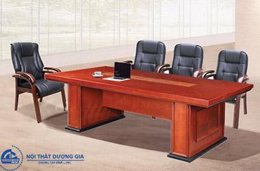 Tìm hiểu về những ưu điểm vượt trội của bàn ghế phòng họp bằng gỗ